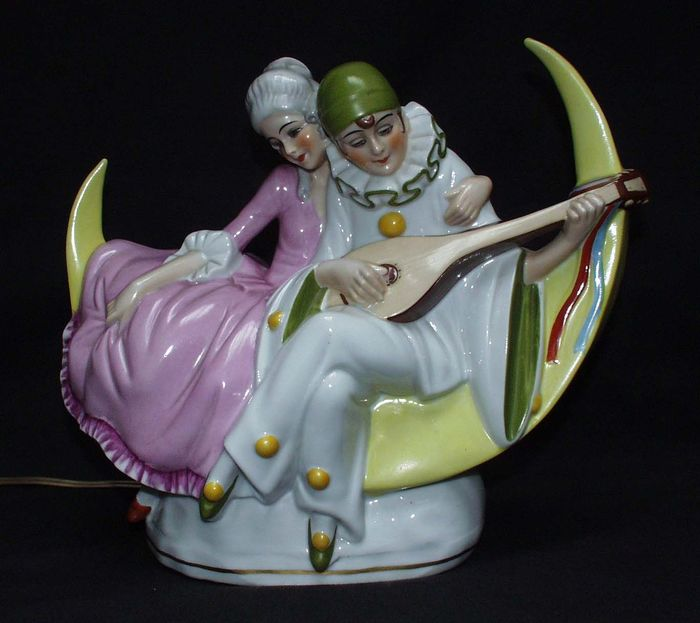 Art Deco lamp with Pierrot and Columbine