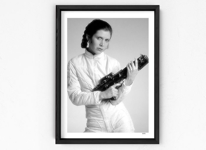 Star Wars - Carrie Fisher as Princess Leia - Promotion Studio Shot - 1 - Foto, Framed. with Coa - nr 06/30 - 70X50 cm