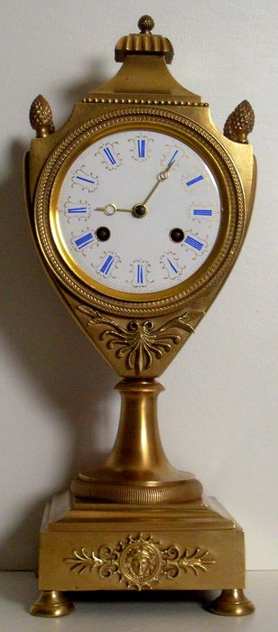 Circa 1810 - Franse EMPIRE Cartel Clock Pendulum URN BRONS - Caryatid protome - WIRE MOVEMENT Works Ring - Brons - Begin 19e eeuw