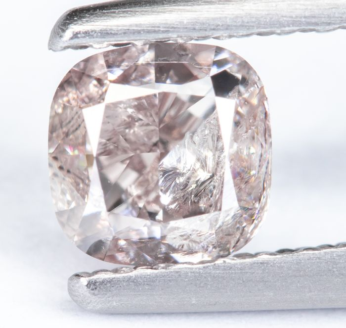 Diamante - 0.60 ct - Rosa brunastro chiaro naturale - I2 *NO RESERVE*