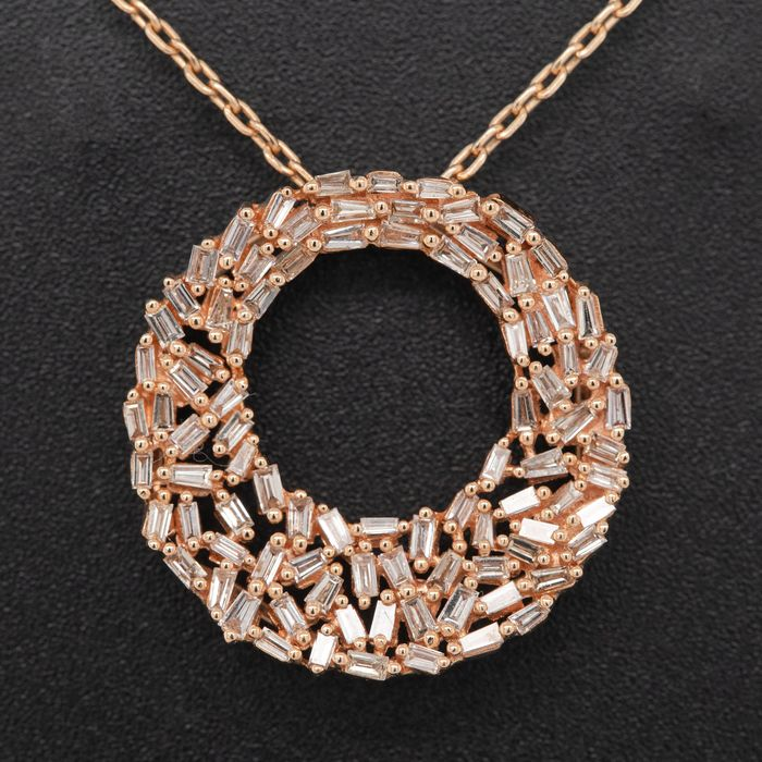18 kt. Pink gold, 4.54g - Necklace with pendant - 0.60 ct Diamond - No Reserve Price