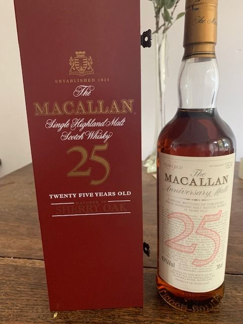 Macallan 25 years old - Original bottling - b. 1990s - 70cl