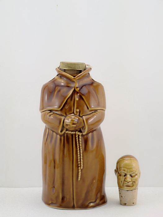 Abbot's Choice Figurine - John McEwan & Co - b. 1970s, 1980s - 75.7cl
