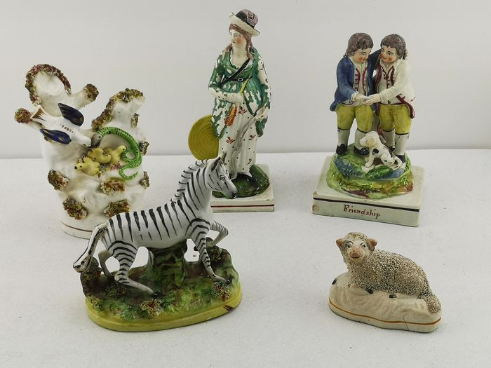 Stafforshire - Pratware figures (5) - Porcelain