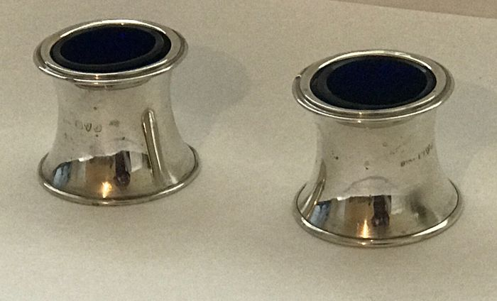 Pair of English Silver Salt Cellars - Silver - Chester - 1909