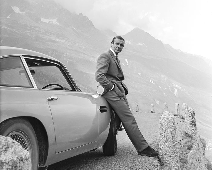 James Bond 007: Goldfinger - Sean Connery with the Iconic Aston Martin DB5 - Poster