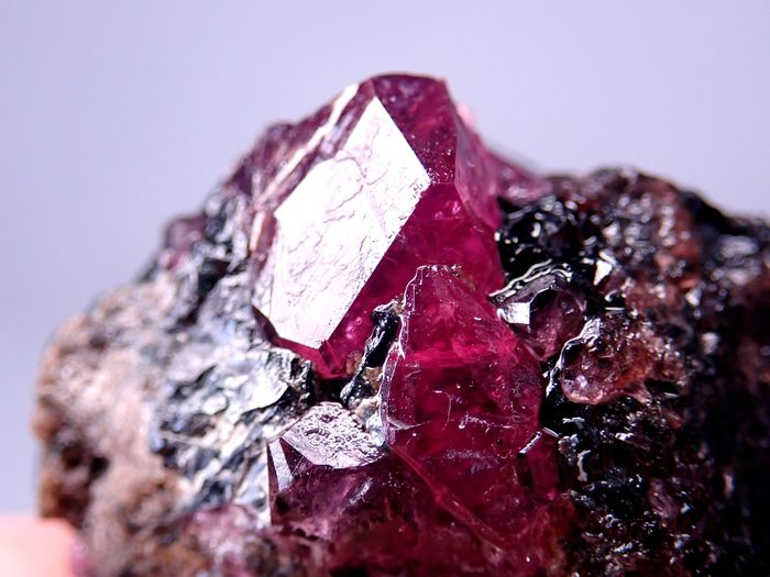 Rare A + Transparent Ruby Crystals in Matrix, Untreated 80.5ct - 25.45×26.37×14.31 mm - 16.1 g