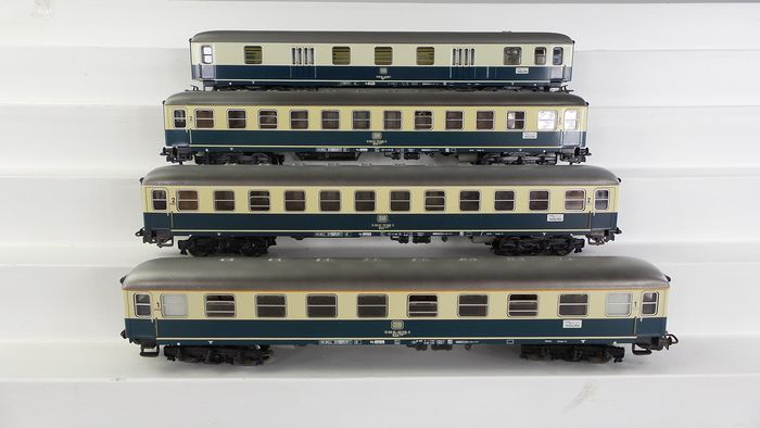 Märklin H0 - 4112/4111/4044 - Passenger carriage - 4x express train passenger cars 1st / 2nd class, including baggage car in cream / blue livery - DB