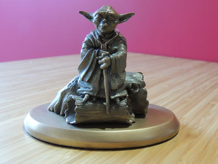 Star Wars - Yoda - 0422/2999 - sculpted by bombyx - with original box - Statuetta(e) Atlas Limited edition