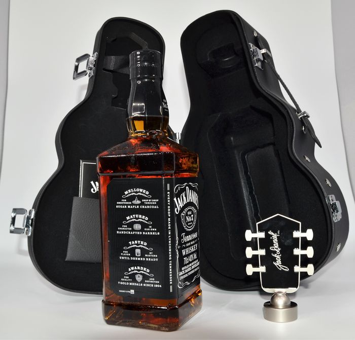 Jack Daniel's Old No 7 - Guitar Case Edition - Original bottling - 70cl