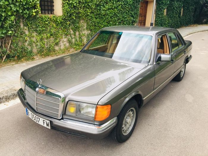 Mercedes-Benz - 280 SE (W126) Manual - 1982