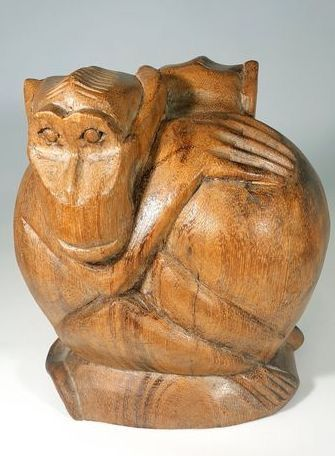 Sculpture, Wooden Art Deco statue of 2 monkeys, in the Amsterdam School style