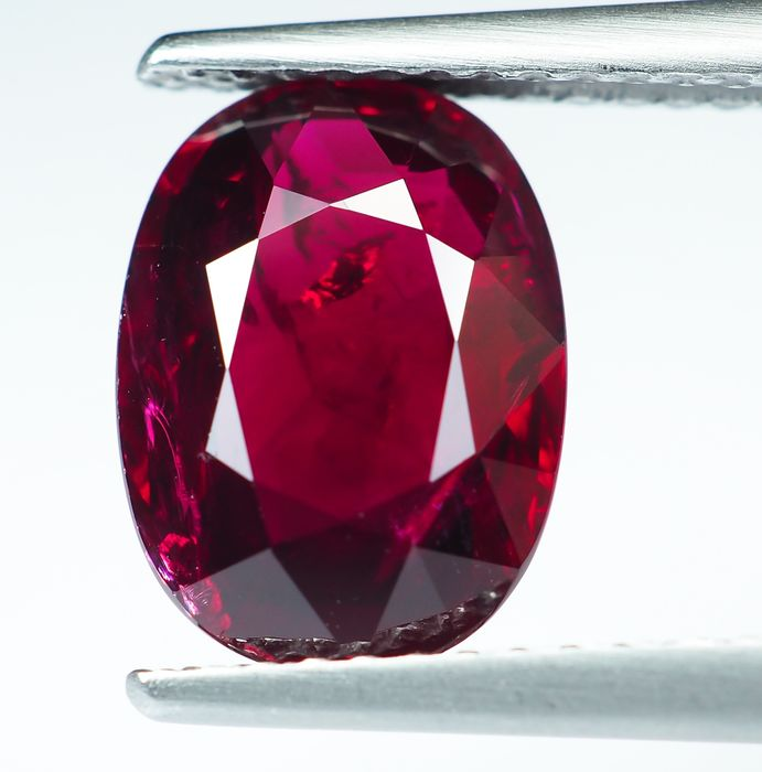 Intense Red Ruby - 3.01 ct