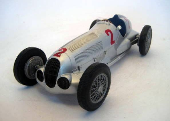 MiniChamps - 1:18 - Mercedes-Benz W125 #2 Herman Lang Winner Grand Prix Tripolis 1937 - Limited Edition - Mint Boxed - Factory Sold Out