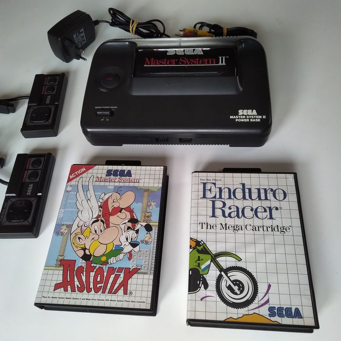 1 Sega Master System II - Console with games (2)