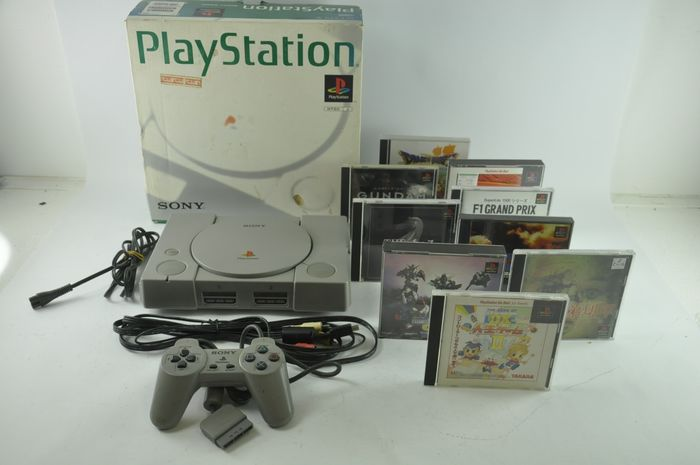 Playstation JP Set Playstation - Console with games (9) - In original box