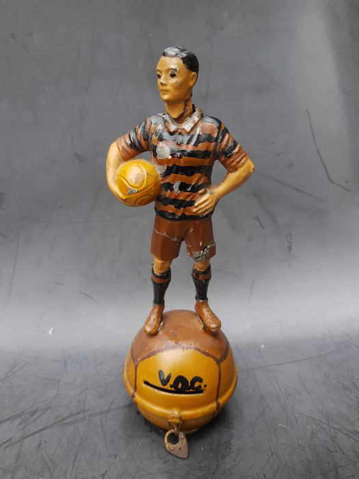 V.O.C. - Vooroorlogs voetbal - very rare Football figure as a collection box