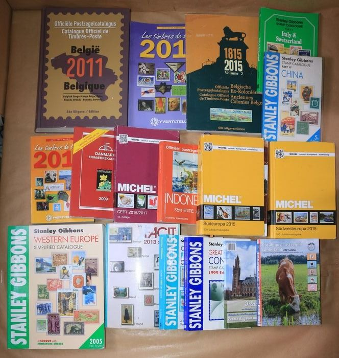 accessories 1999/2021 - Batch of 17 (old) catalogues