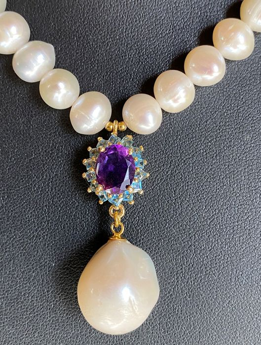 Pearls topaz and amethyst necklace