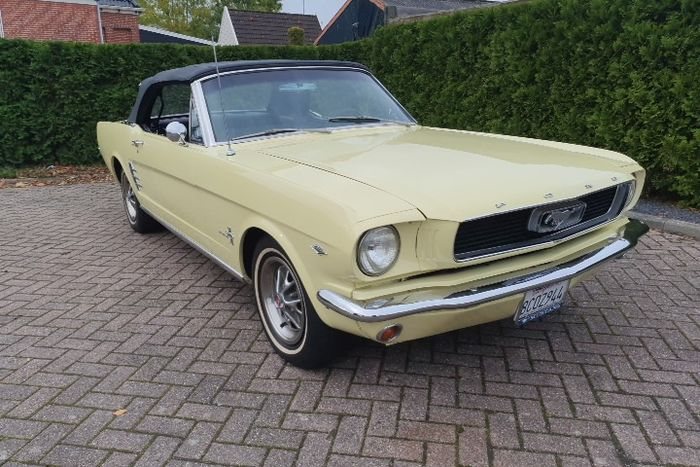 Ford - Mustang Convertible V8 4 SPEED TOPLOADER - 1966