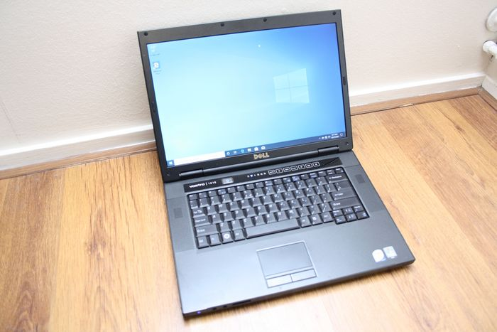 Dell Vostro 1510 notebook - Intel Core2Duo 1.8Ghz, 4GB RAM, 64GB SSD, Windows 10 - With charger