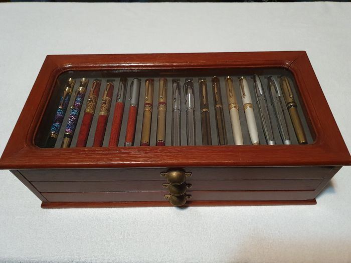Gold and silver fountain pens and pens - 50