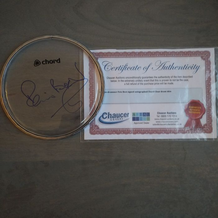 Beatles - Chord Drum Skin Signed by Pete Best with COA, - Opera d'arte / Dipinto - 1999/9