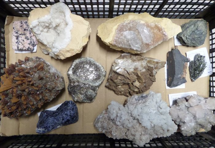 minerals collection Lot of various items - 6.7 kg - (12)