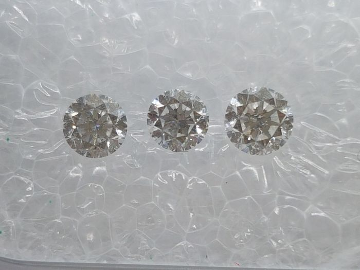 3 pcs Diamantes - 0.54 ct - Brillante - E, F - SI2