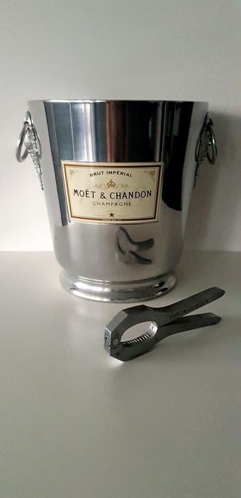 Moët & Chandon ice-bucket and champagne bottle-opener - Champán - 2 items