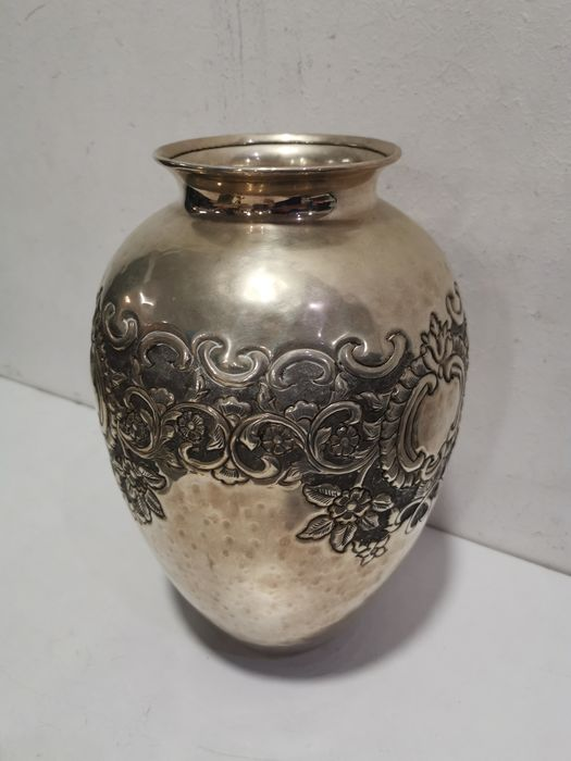 British Empire sheffield collection - Finely crafted Sheffield vase - Silver