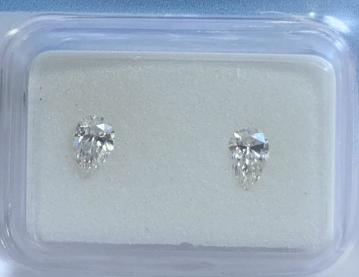2 pcs Diamonds - 0.36 ct - Pear - H, I - SI1, VS2