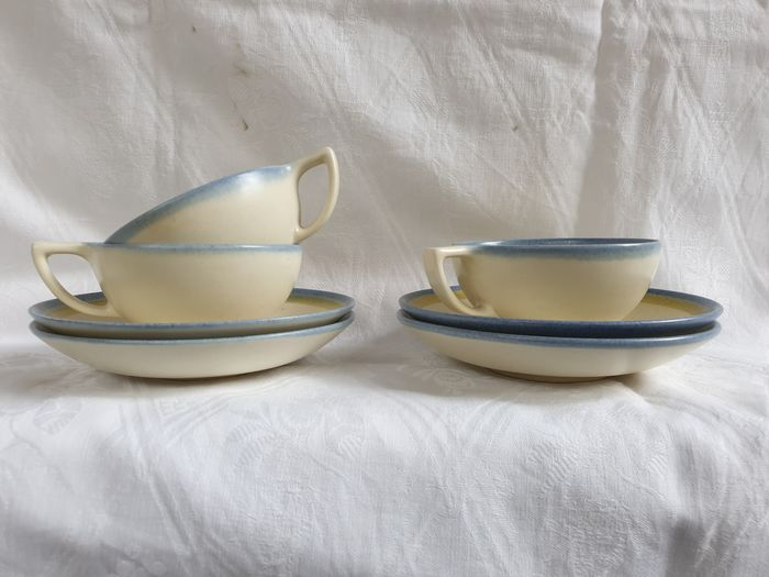 """H.J. Jansen van Galen - Ram Arhem - 3 cups with 4 saucers of service H with painting """"46"""" l"""