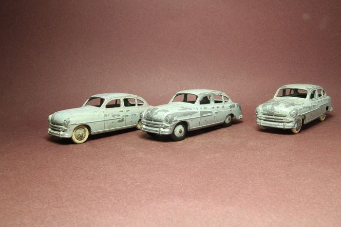 Dinky Toys - 1:43 - 3x Ford vedette 1953 - Dinky Toys 24X