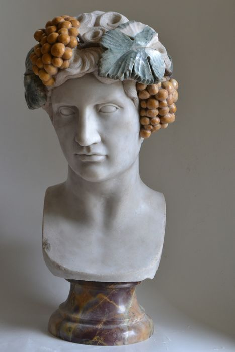 Image 2 of Studio Todini - Sculpture, bust of Antinous in Dionysian version - 51 cm - Marble - Late 20th centu