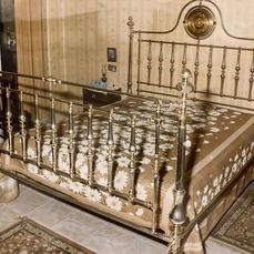 Bed (1) - Brass - Late 19th century
