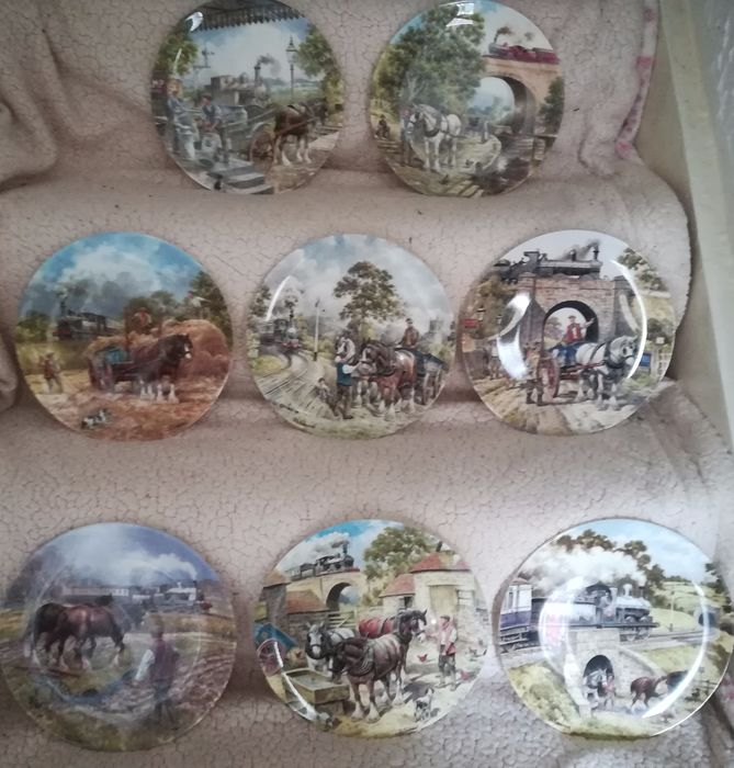 Wedgwood - Country Connections Set of 8 plates with certificate and leaflets - piatto (8) - Porcellana