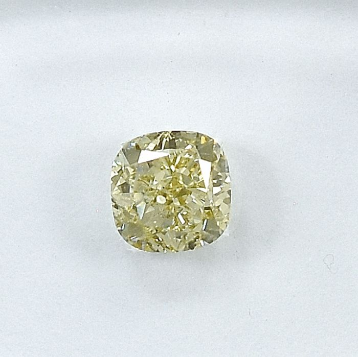 Diamond - 0.59 ct - Square - X-Y,Light Yellow - Si1 - NO RESERVE PRICE