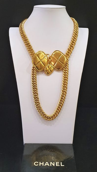 CHANEL 18kt gold plated CC Clover Charm Belt/Necklace