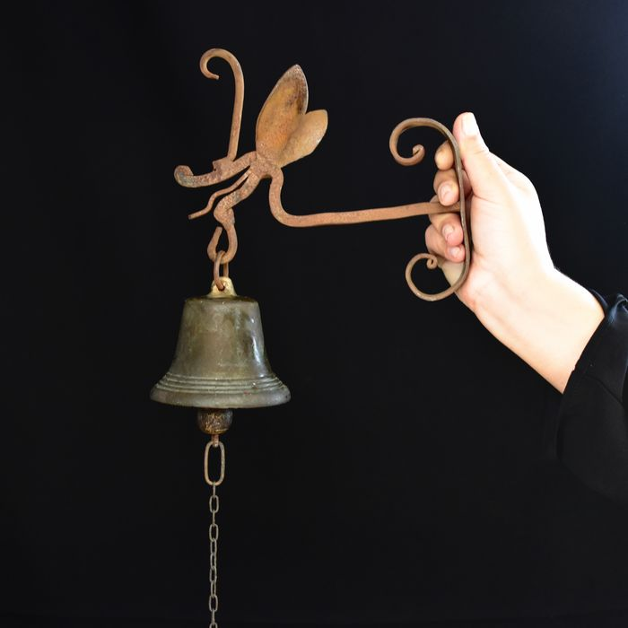 Special bronze bell with dragon - Iron (cast/wrought), Patinated bronze - circa 1900