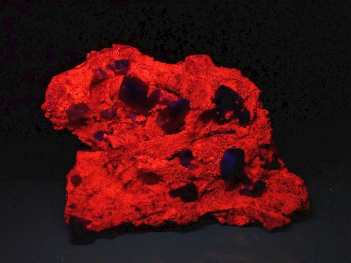 Museum Calcite With Red Fluorescence Crystals on matrix - 190×145×75 mm - 1457 g