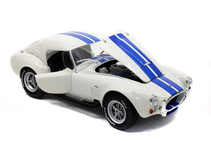 Image 2 of Solido - 1:18 - Shelby Cobra 427 S/C - Hard Top