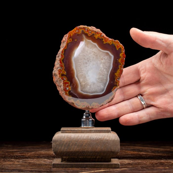Nice Morocco Agate First Quality Geode mounted on pedestal - 170×80×70 mm - 475 g