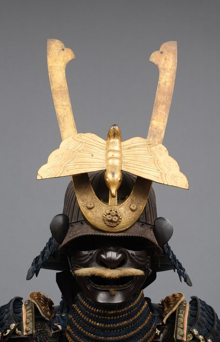 Yoroi - Metal Lacado - Samurai - Important black lacquered suit-of-armour with beautiful butterfly shaped maedate - Japón - Periodo Edo (1600-1868)