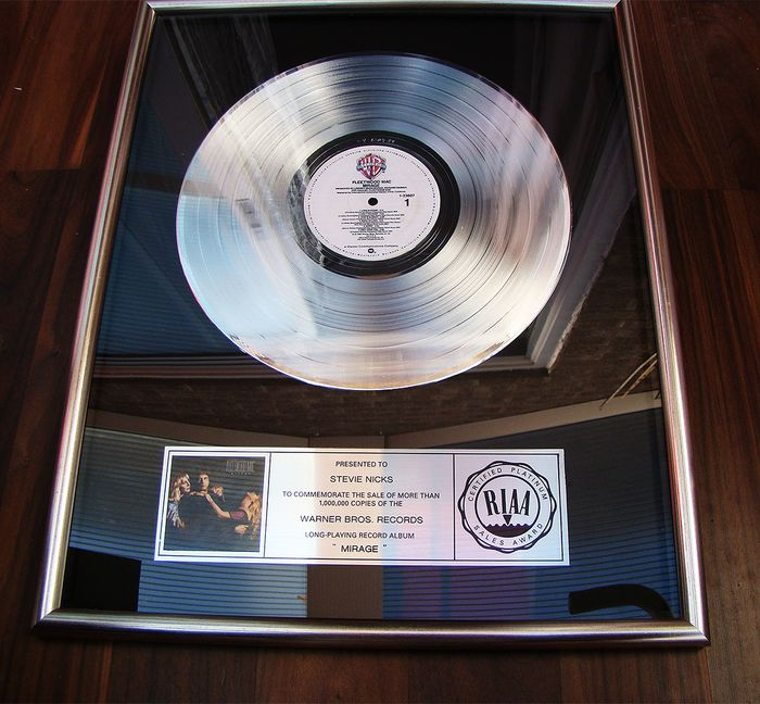 "Fleetwood Mac - ""Mirage"" Presented to Stevie Nicks - Offizieller RIAA-Award - 1982/1982"