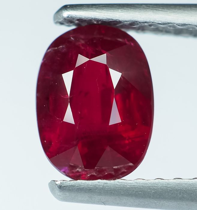 """No Reserve - Vivid """"Pigeon Blood"""" Red Ruby - 1.19 ct"""