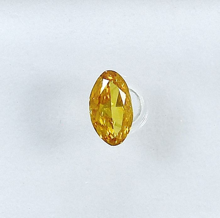 Diamant - 0.12 ct - Oval - Natural Fancy Intense Orangy Yellow - I1 - NO RESERVE PRICE