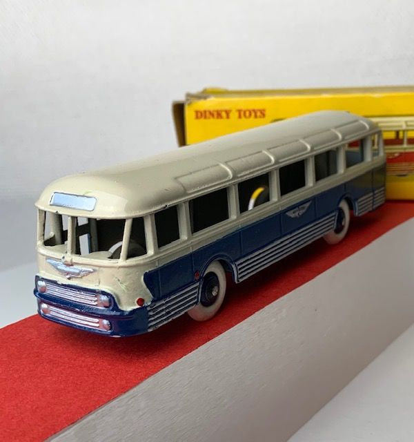 Dinky Toys - 1:43 - 29F Autocar Chausson