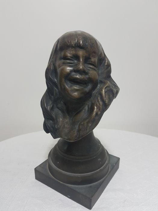 Image 2 of Sculpture, Young girl - 26 cm (1) - Bronze (patinated) - Early 20th century