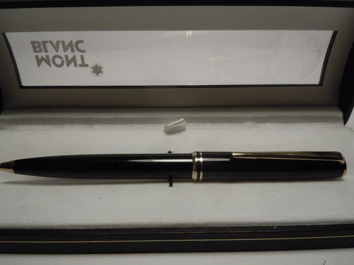 MONTBLANC Generation Classic resin and gold plate - Stylo à bille